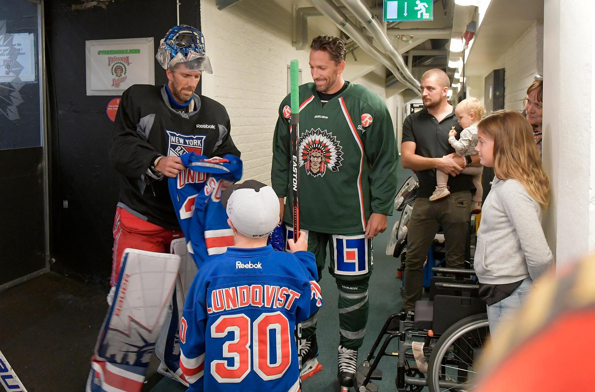 Henke Lundqvist med brorsan Joel.