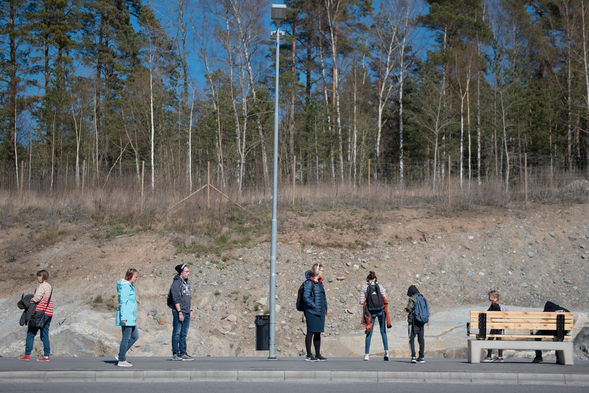 """""""Social distansering"""" är ett begrepp som kan leva vidare i det allmänna språkmedvetandet, tror Anders Svensson, chefredaktör för Språktidningen. Arkivbild."""
