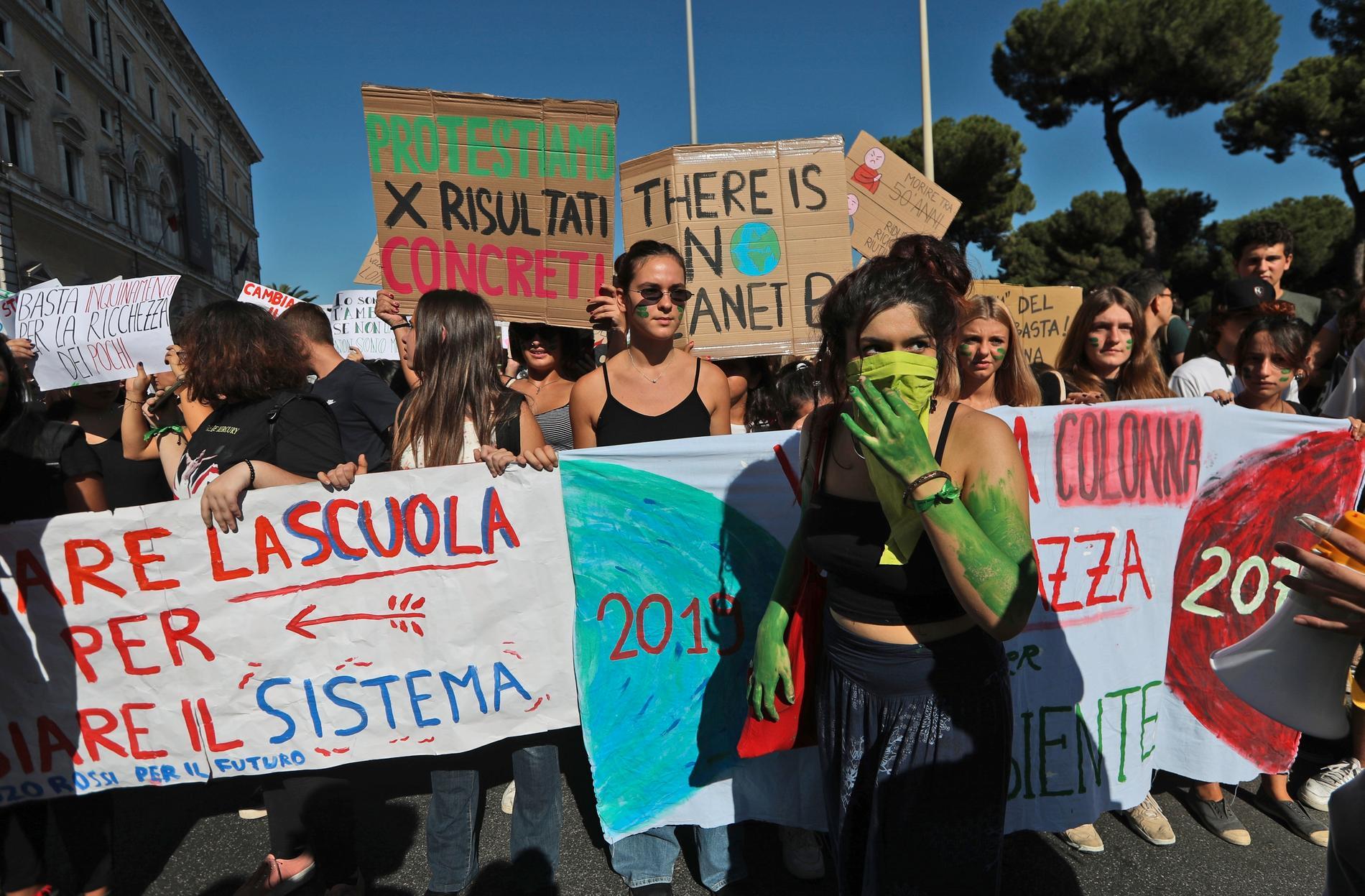 Italienska skolungdomar demonstrerar under den globala klimatstrejken i september.