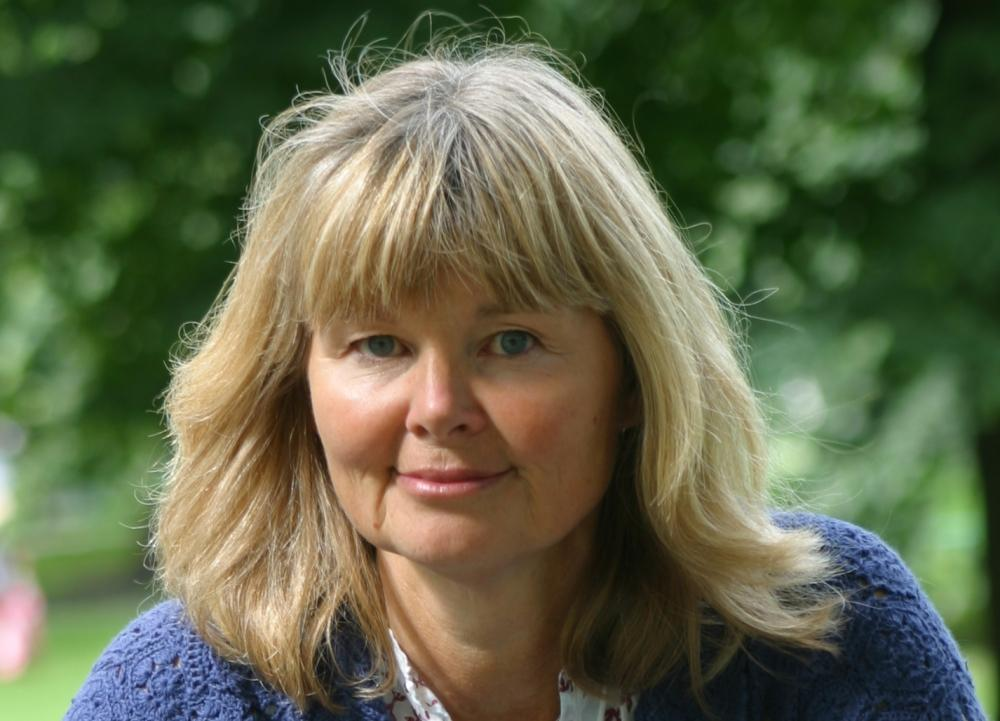 Skönhetsbolaget har anmälts till, Reklamombudsmannen, Elisabeth Trotzig.