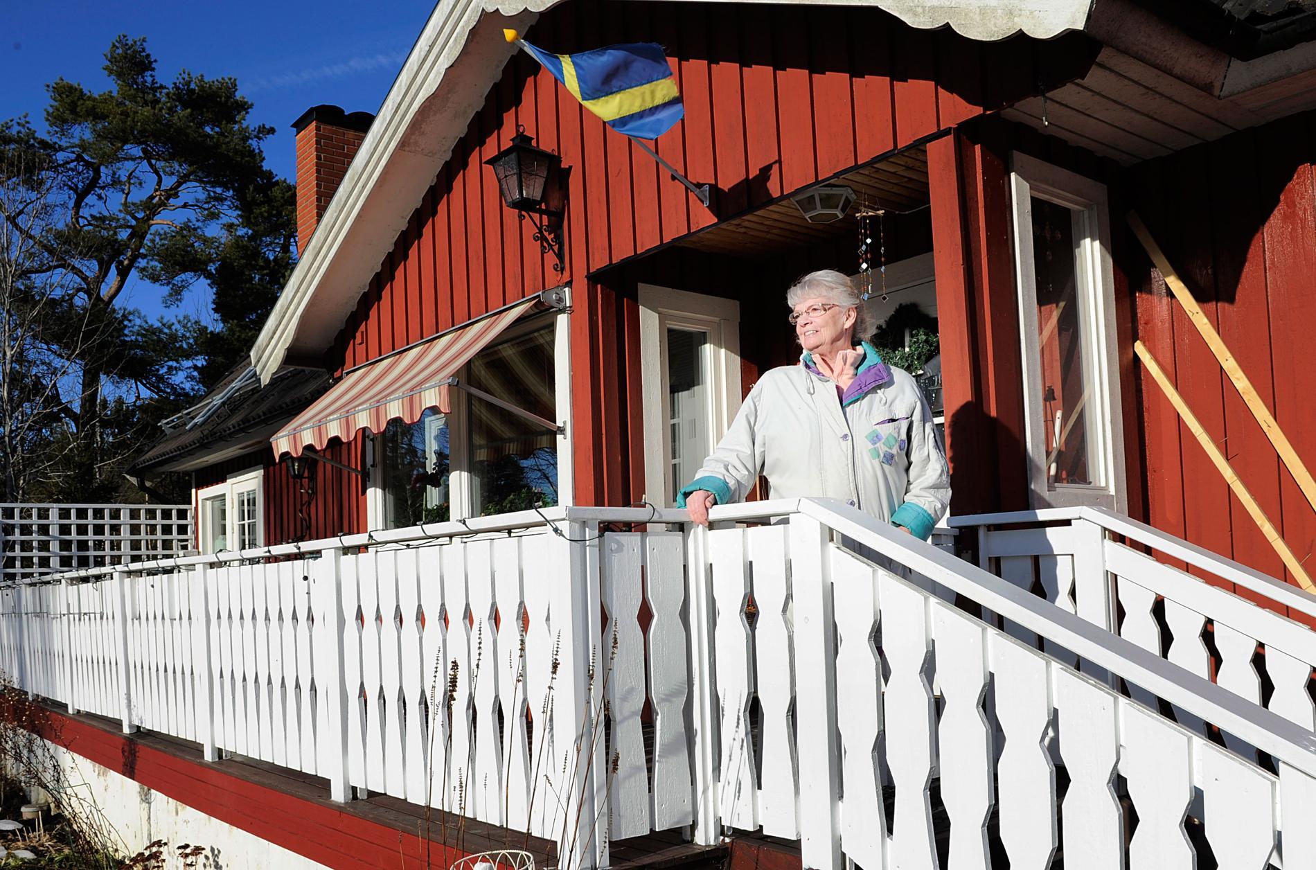 Sparar el Yvonne Roos, 69, är expert på att energispara. Skulle hon byta elleverantör skulle hon spara ytterligare några hundralappar.