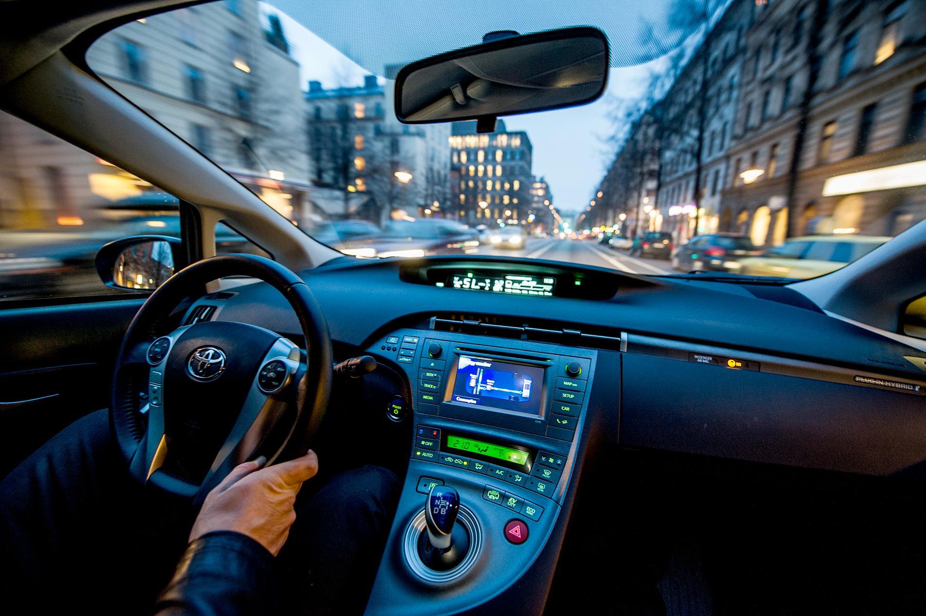 Om tio år behöver det kanske inte ens finnas en ratt i en bil, om den istället styrs av AI.