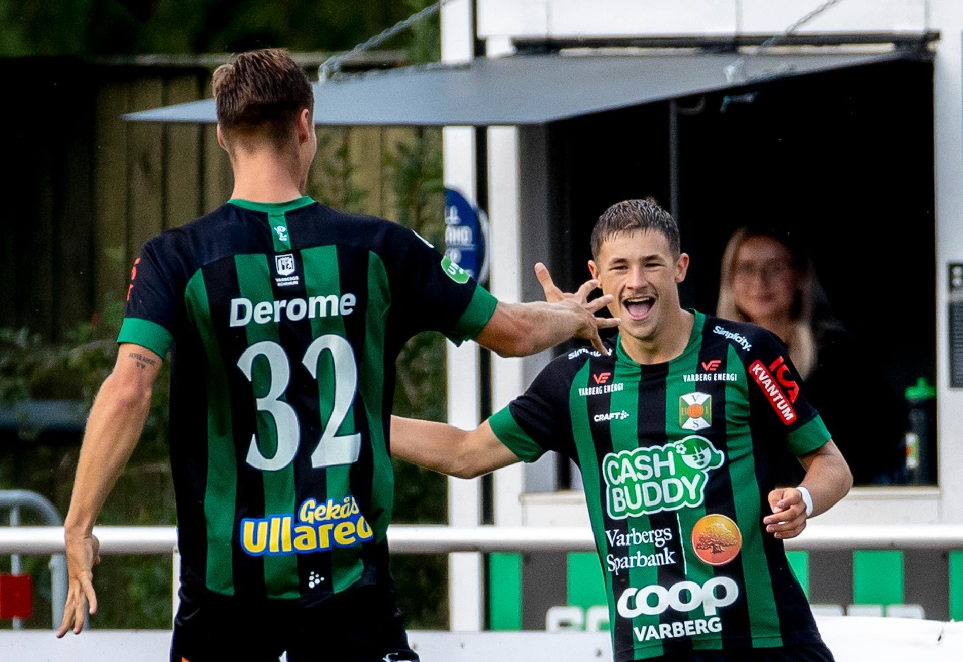 Oliver Alfonsi, till höger, jublar efter sitt första allsvenska mål.