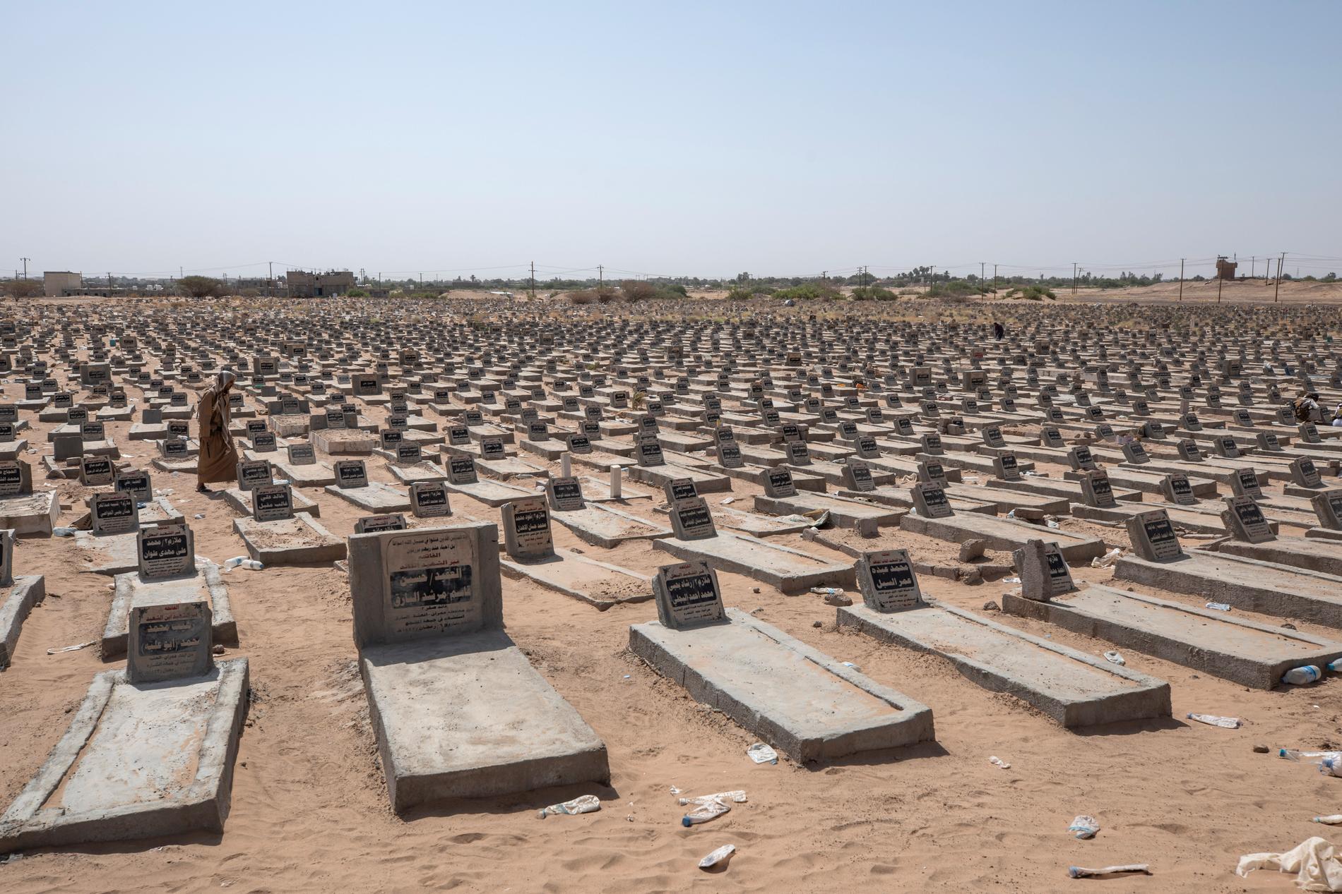 En begravningsplats där hundratals stridande begravts i den jemenitiska staden Marib. Fotot togs i somras.