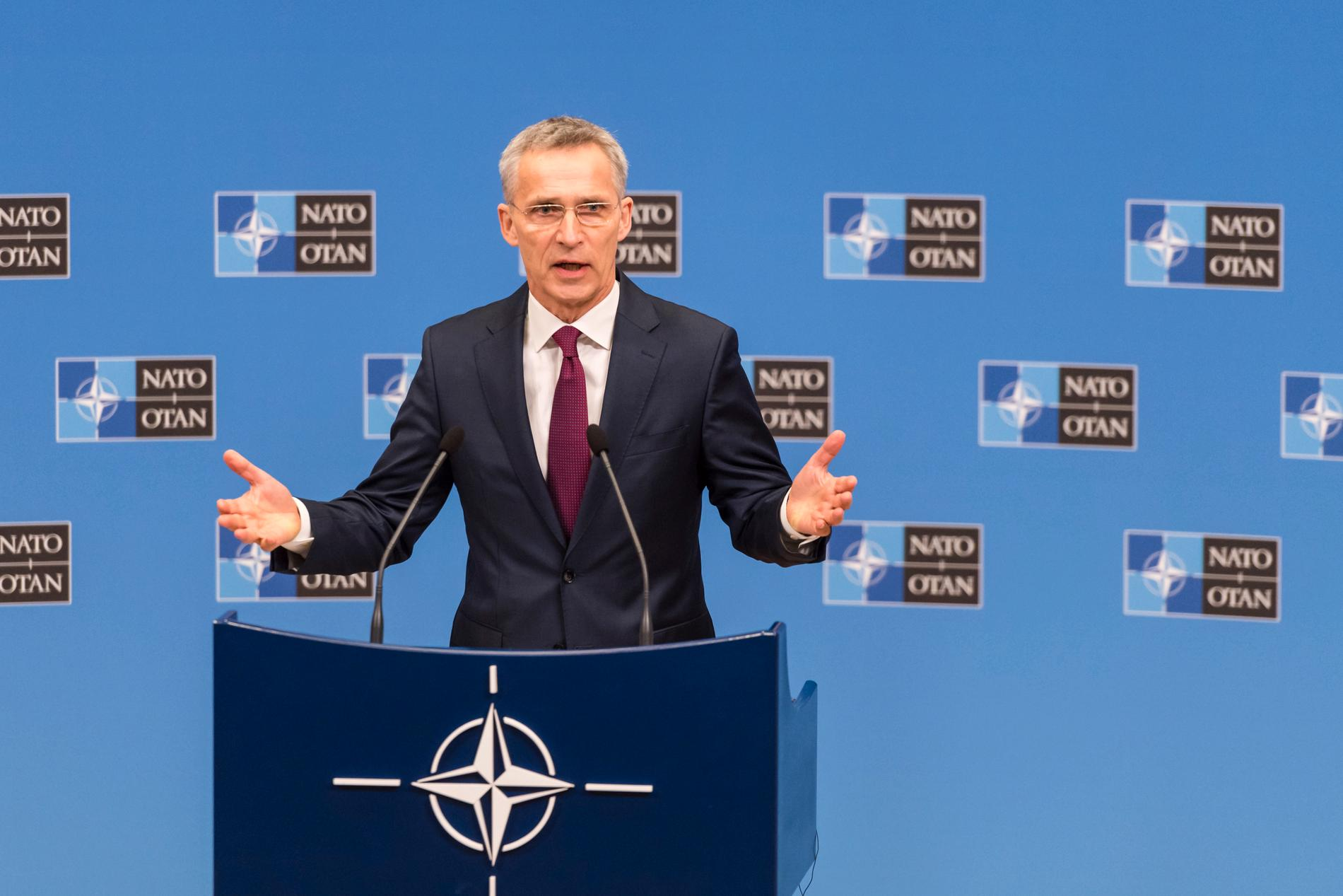 Nato-basen Jens Stoltenberg presenterar militäralliansens årsrapport.