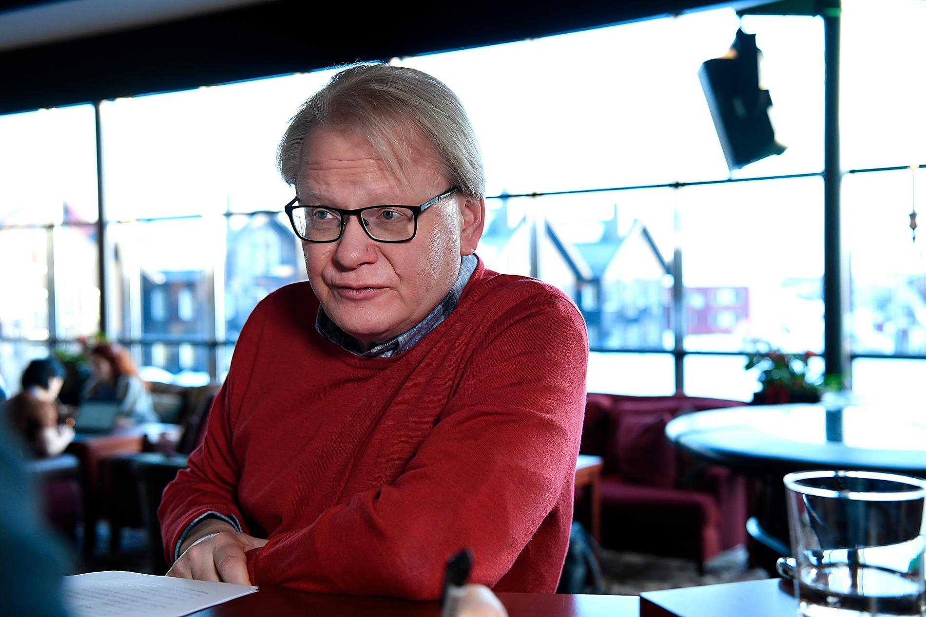Peter Hultqvist på Folk och försvar