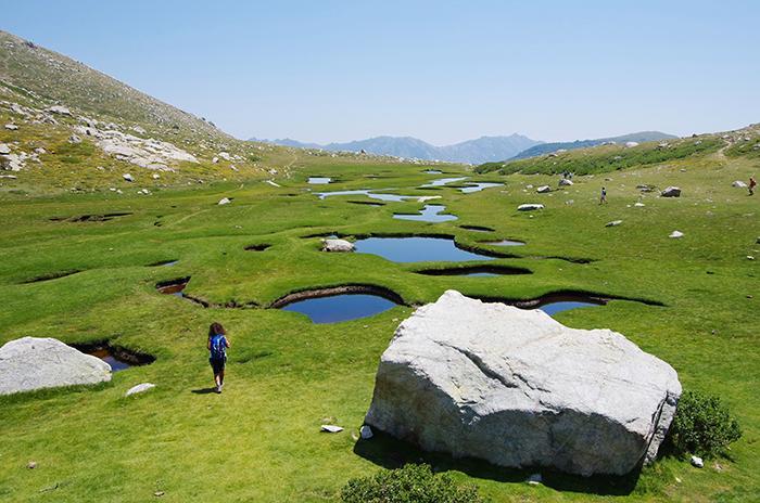 Korsika har både tuffa och lugna vandringsleder.