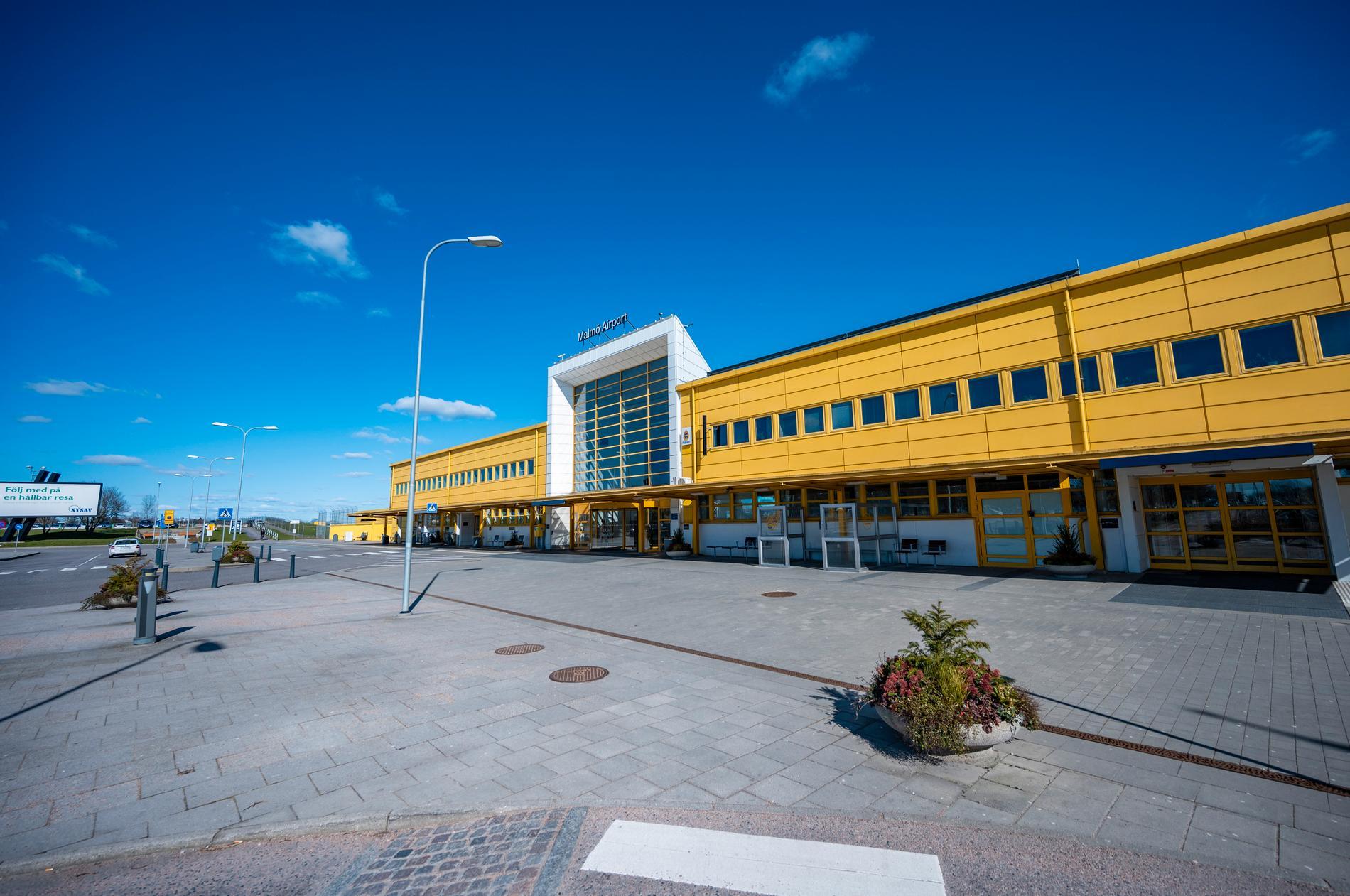 Alla flygplatser som drivs av Swedavia såg kraftigt minskat resande förra året. Arkivbild från ett tomt Malmö Airport (Sturup) i mars 2020.