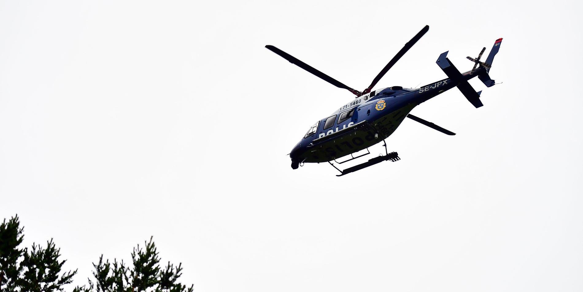 Arkivbild. Helikopter tas på tisdag morgon in i sökandet efter en dement man i 70-årsåldern som försvann från ett område vid Bjässjön norr om Indal.