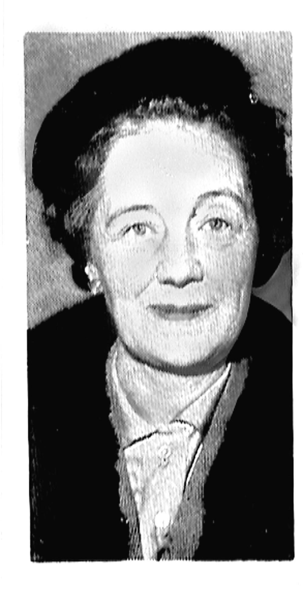 Astrid Kindstrand skapade som första kvinnliga nyhetsuppläsare i radion, en lyssnarstorm. Året var 1938.