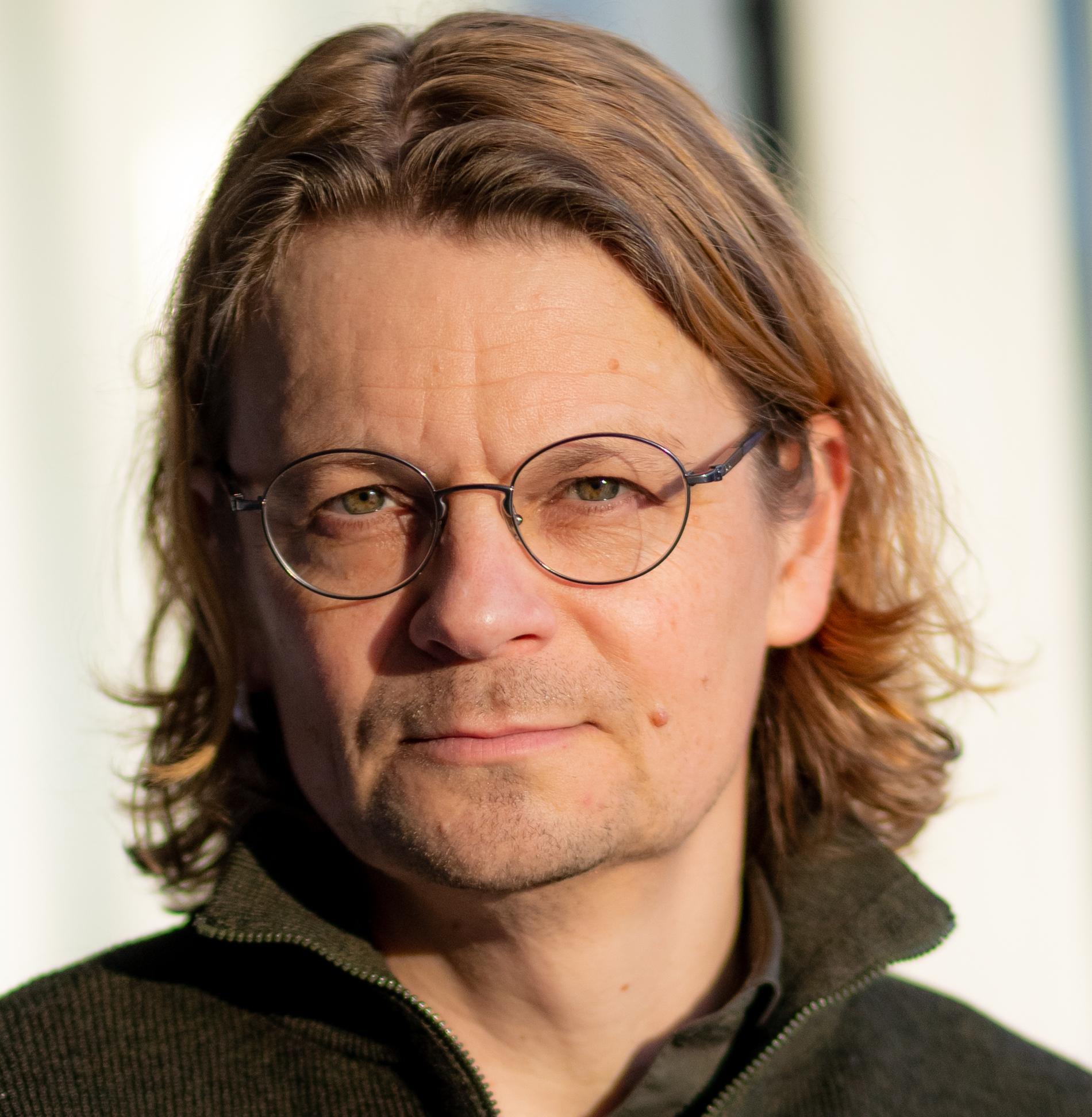 Peo Hansen är professor i statsvetenskap vid Linköpings universitet