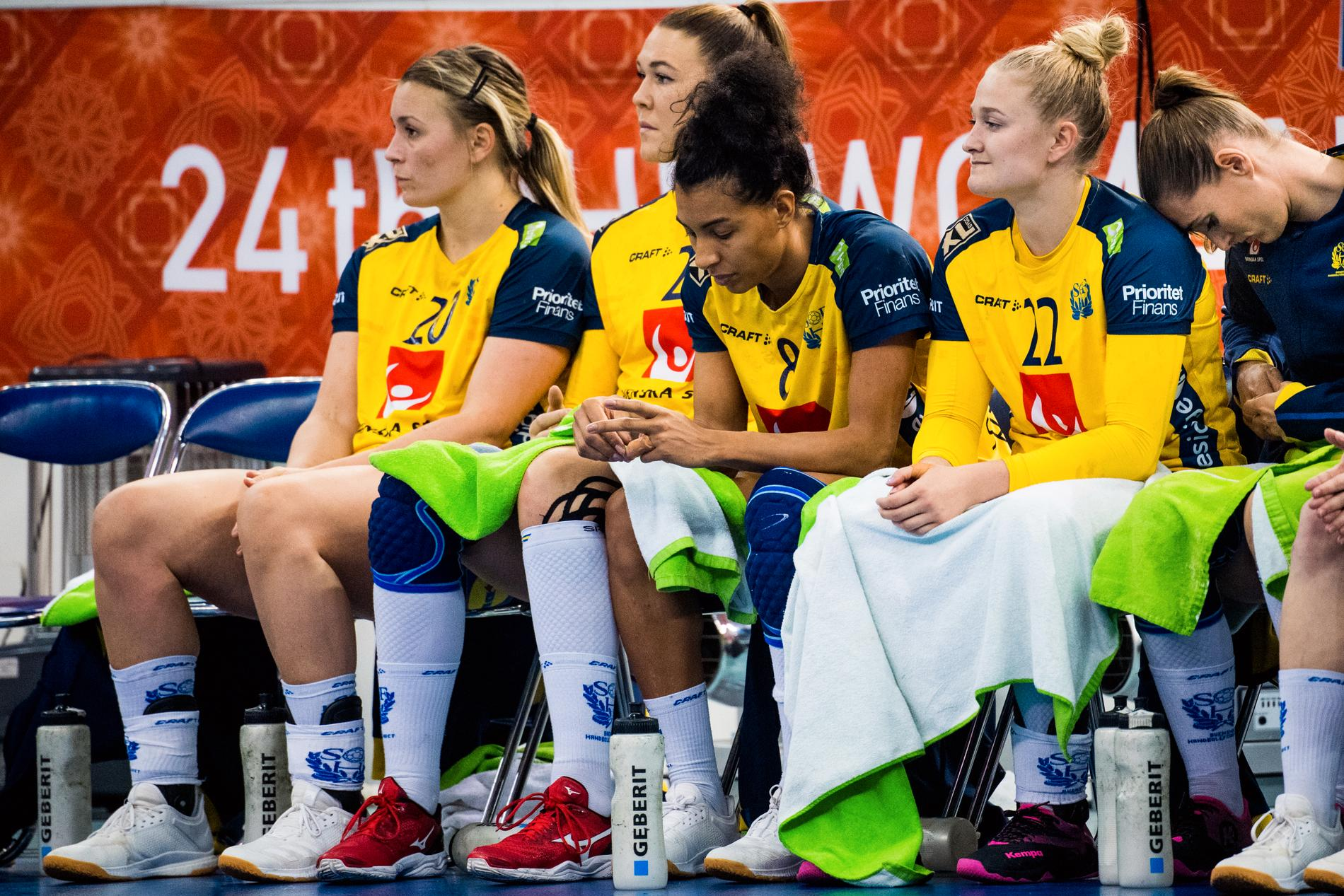 Isabelle Gullden, Mikaela Mässing, Jamina Roberts och Hanna Blomstrand under handbolls-VM 2019.