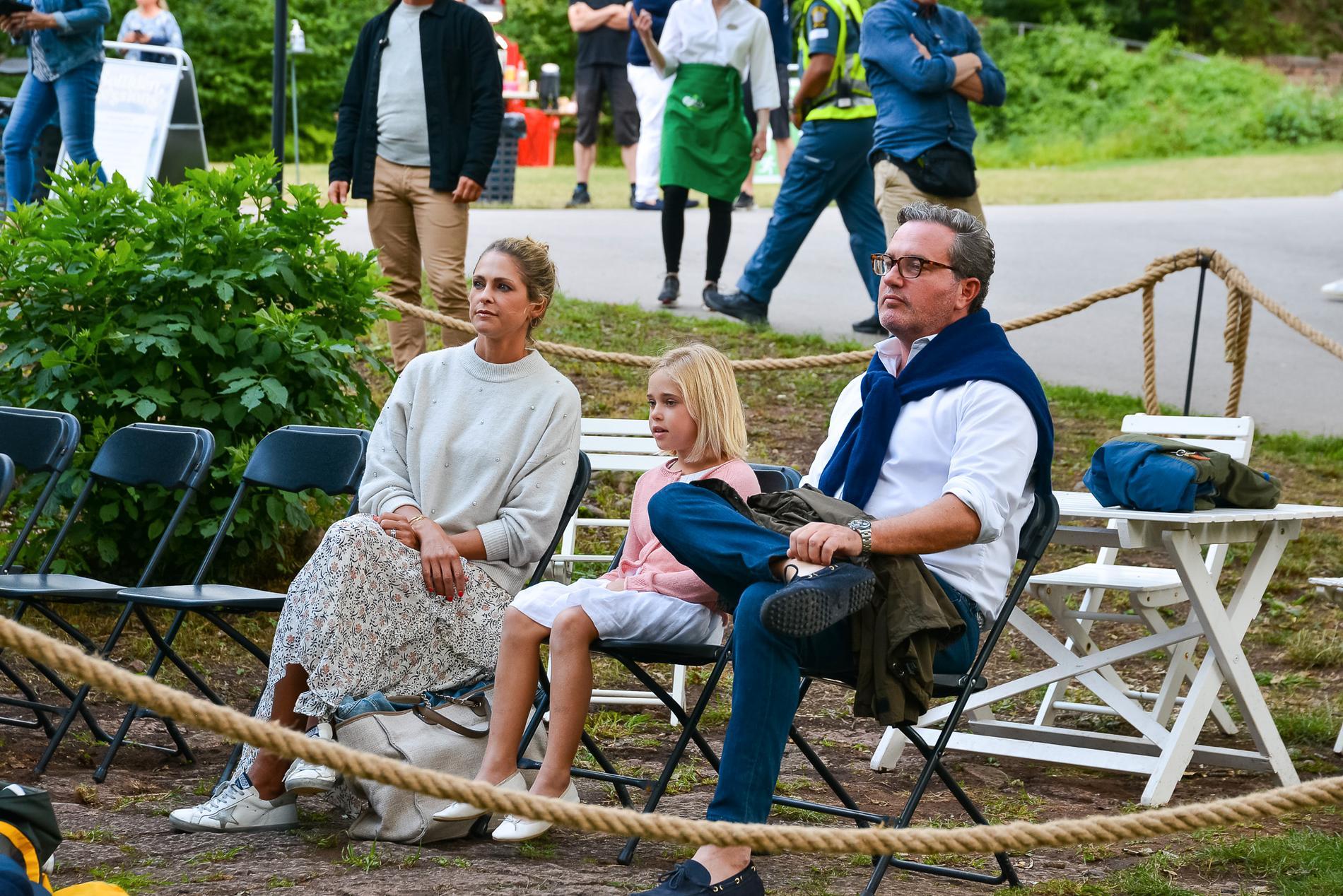 Prinsessan Madeleine, prinsessan Leonore och Chris O'Neill.