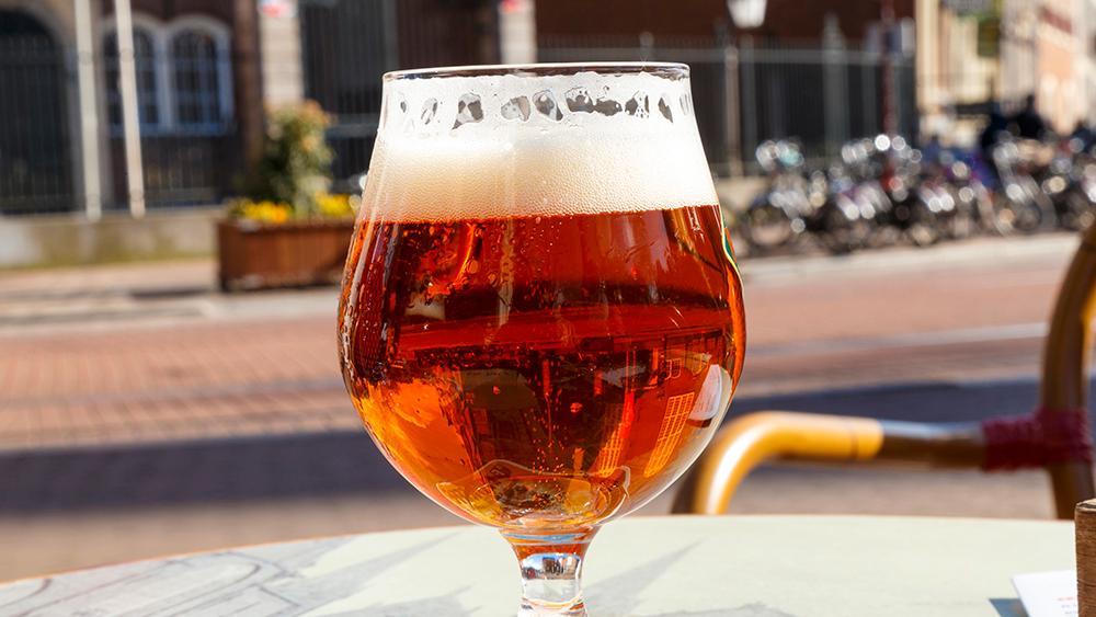 Varje år stjäls tiotusentals ölglas från belgiska barer.