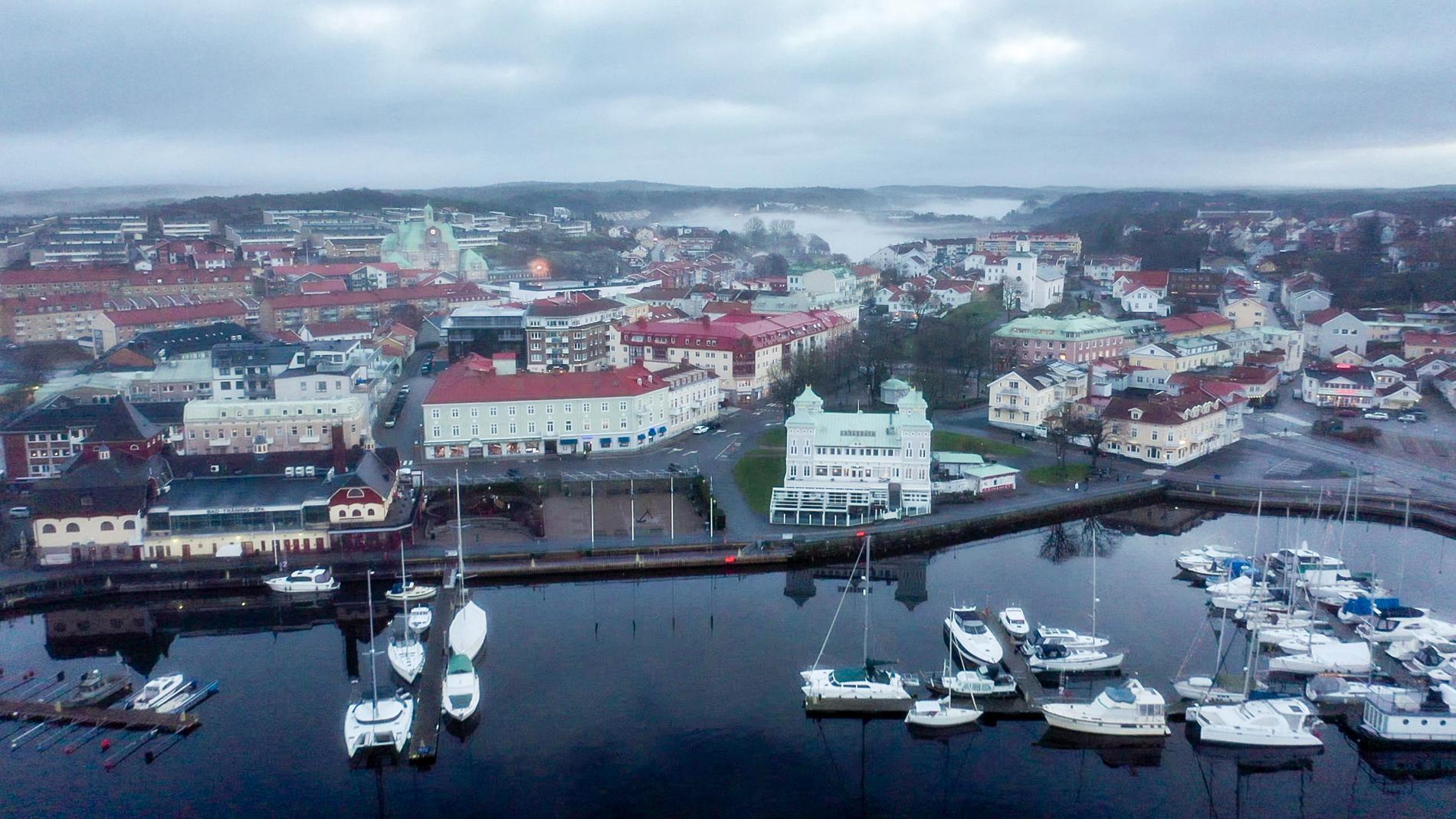 Det har varit tomt med folk i Strömstad sedan gränsen till Norge stängde. Förut brukade det vara livligt så här i december.
