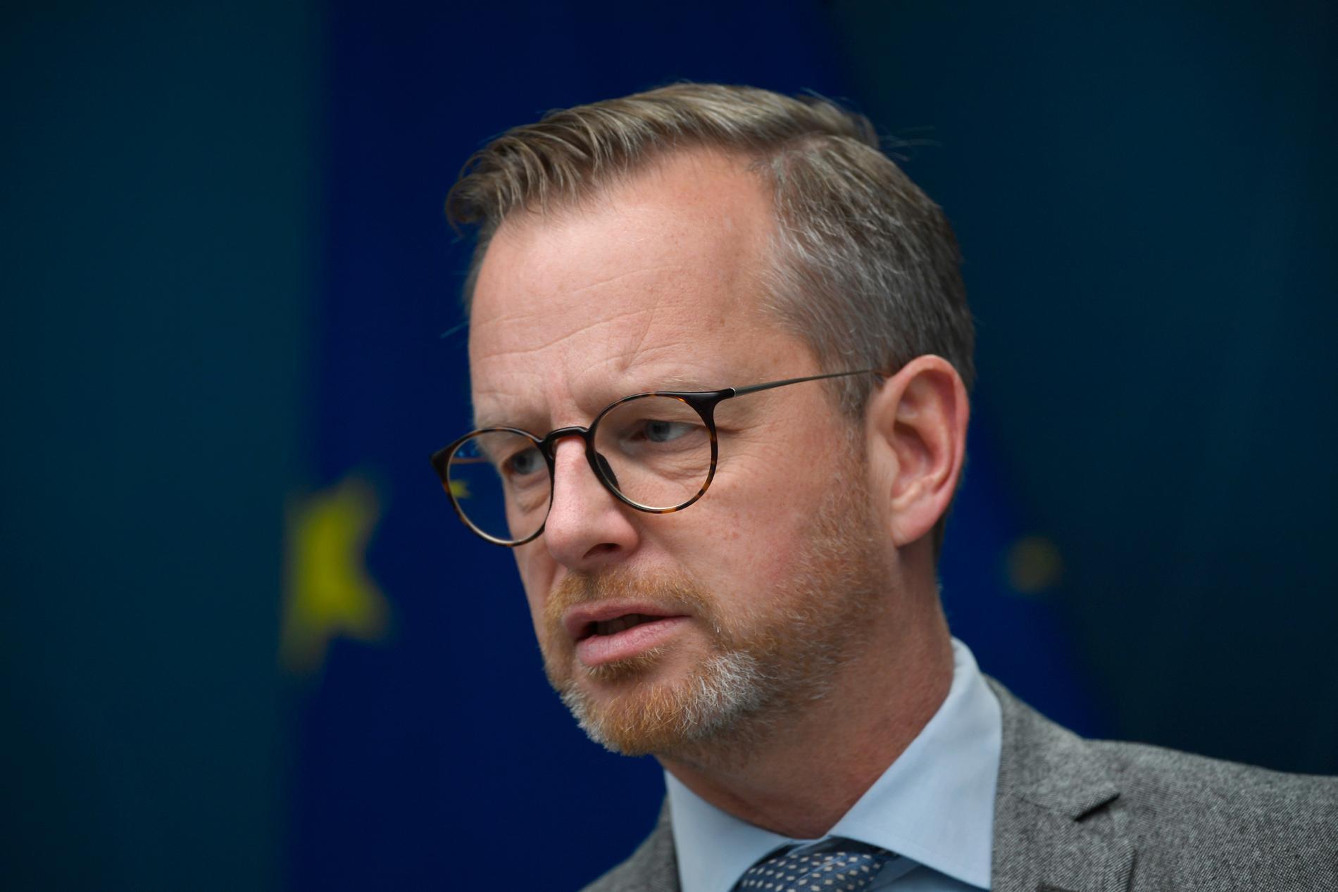 Inrikesminister Mikael Damberg (S) säger att polisen hanterade gårdagens demonstrationer på ett professionellt sätt. Arkivbild.