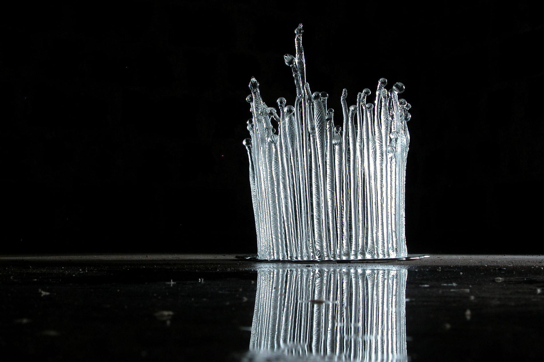 """Elisabeth  Henriksson, """"Frusen skog"""", 2008, massivt glas och tenn."""