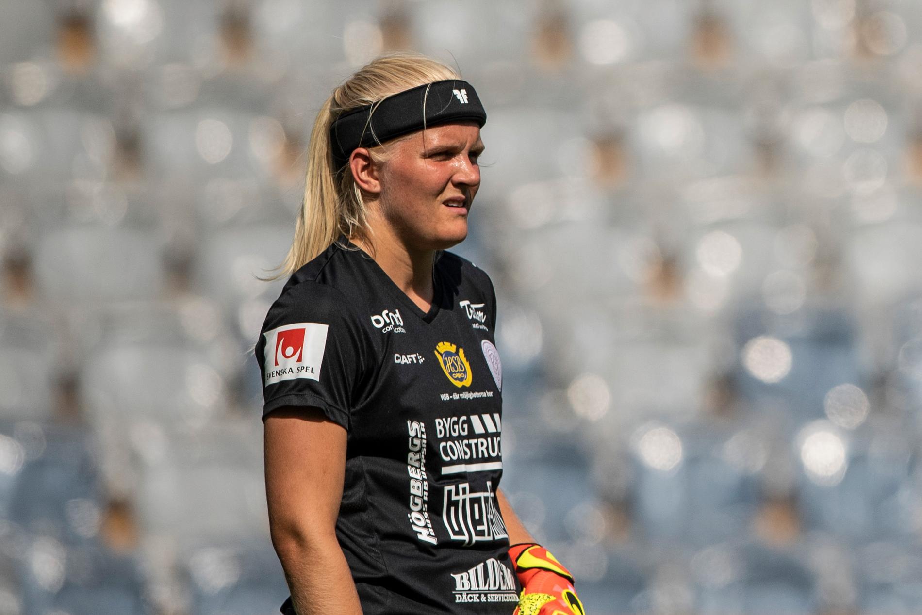 Emma Holmgren.