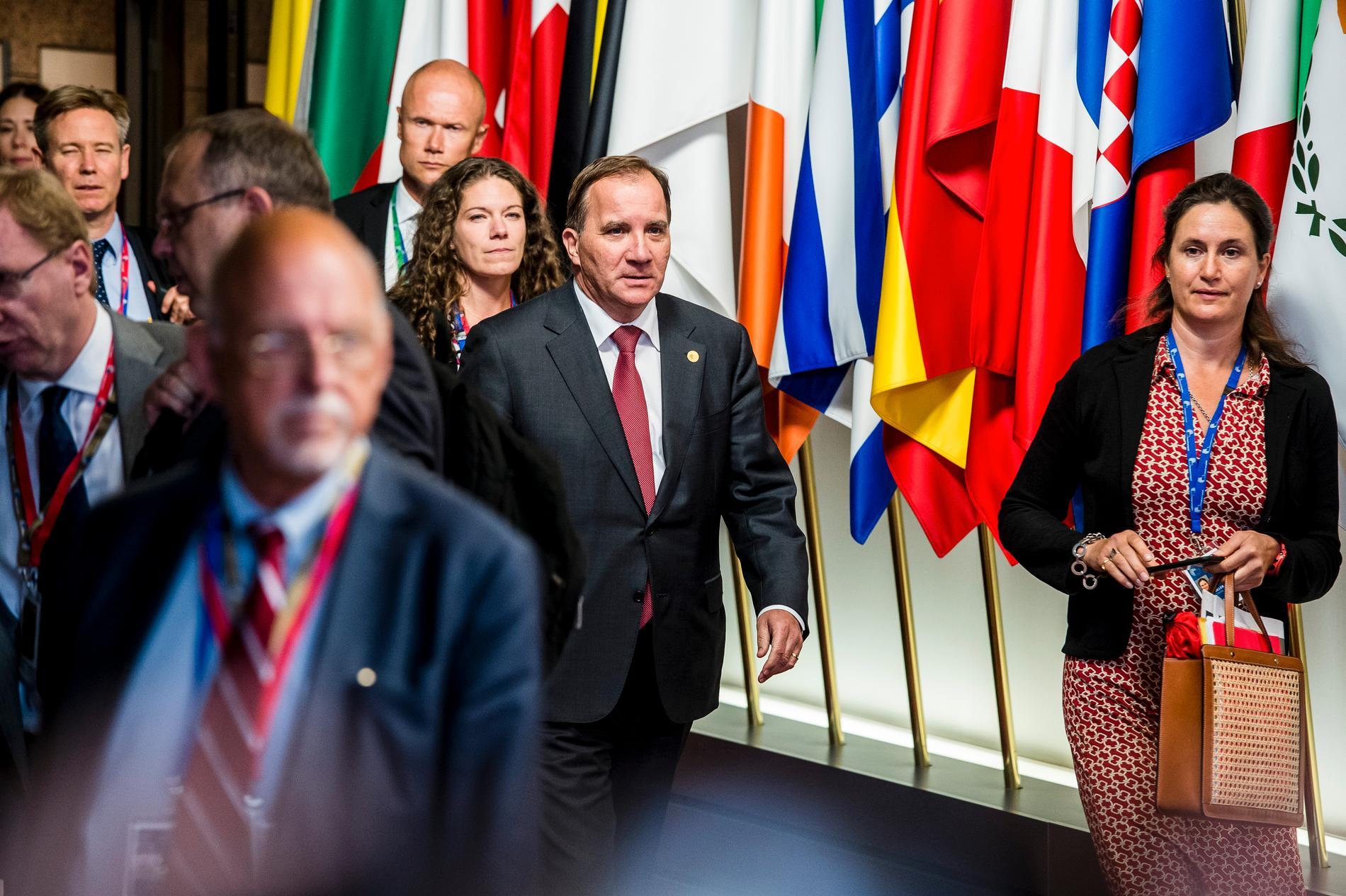 Statsminister Stefan Löfven kom ut från toppmötet runt klockan fem i morse.