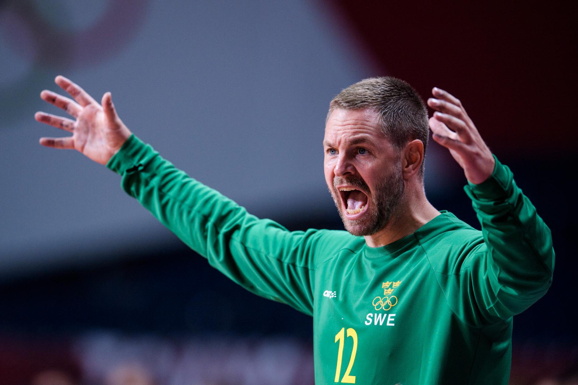 Andreas Palicka firar efter segern.