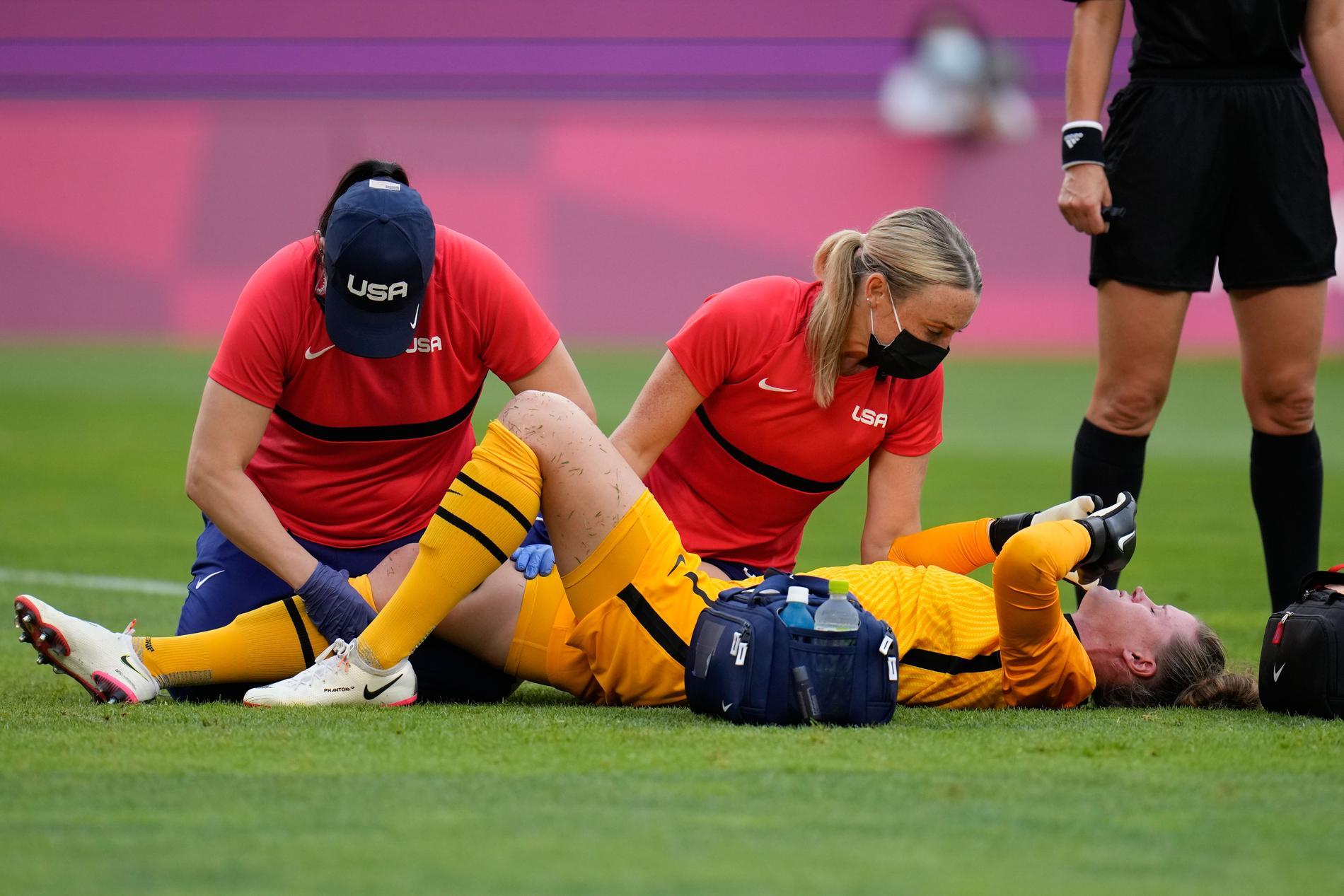 Alyssa Naeher får vård