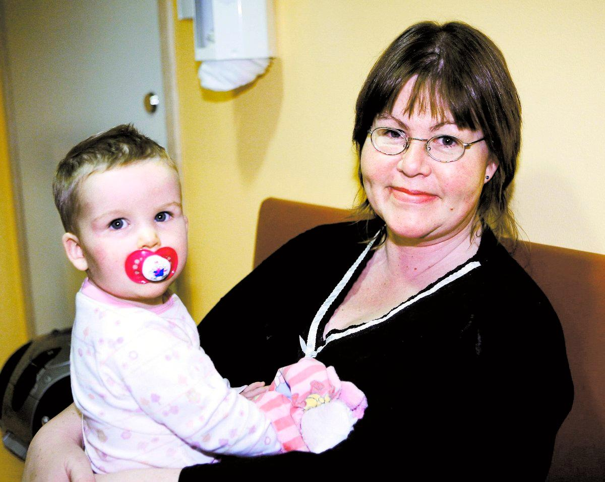 """ger nobben Initiativtagarna sticker inte under stol med att sjukhuset är för dem med mer pengar. Anette Söderberg vill inte köpa en försäkring i det privata barnsjukhuset. """"Alla har rätt till snabb vård"""", säger hon."""