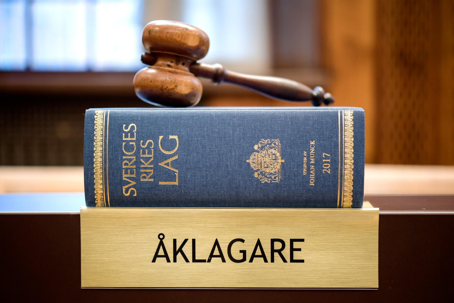 I slutet av februari höggs en man ihjäl i en lägenhet i Kalmar. Nu åtalas en man i 55-årsåldern för mord. Arkivbild.