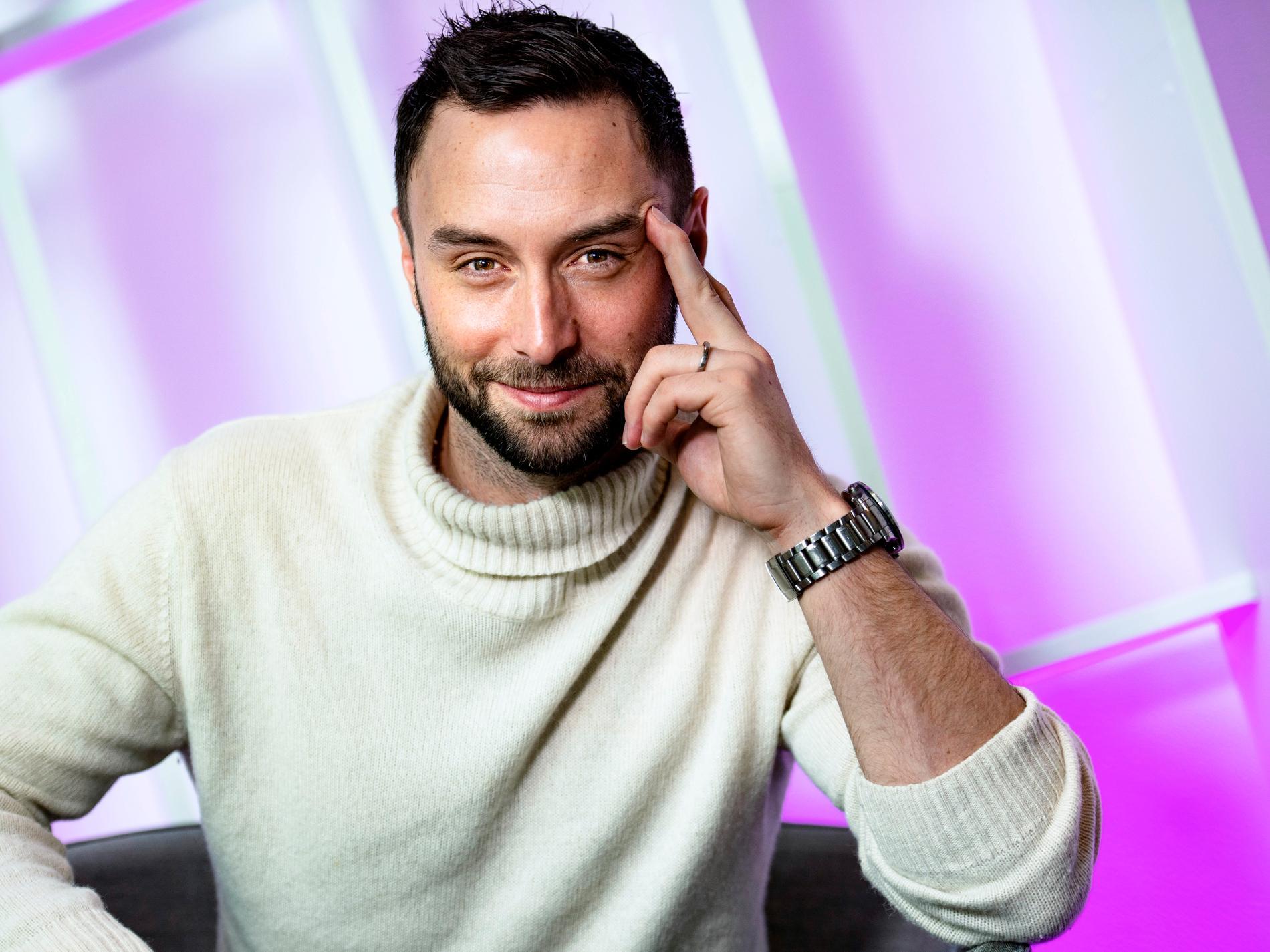 Måns Zelmerlöw leder Melodifestivalens final på lördag – men skulle gärna komma tillbaka som tävlande artist.