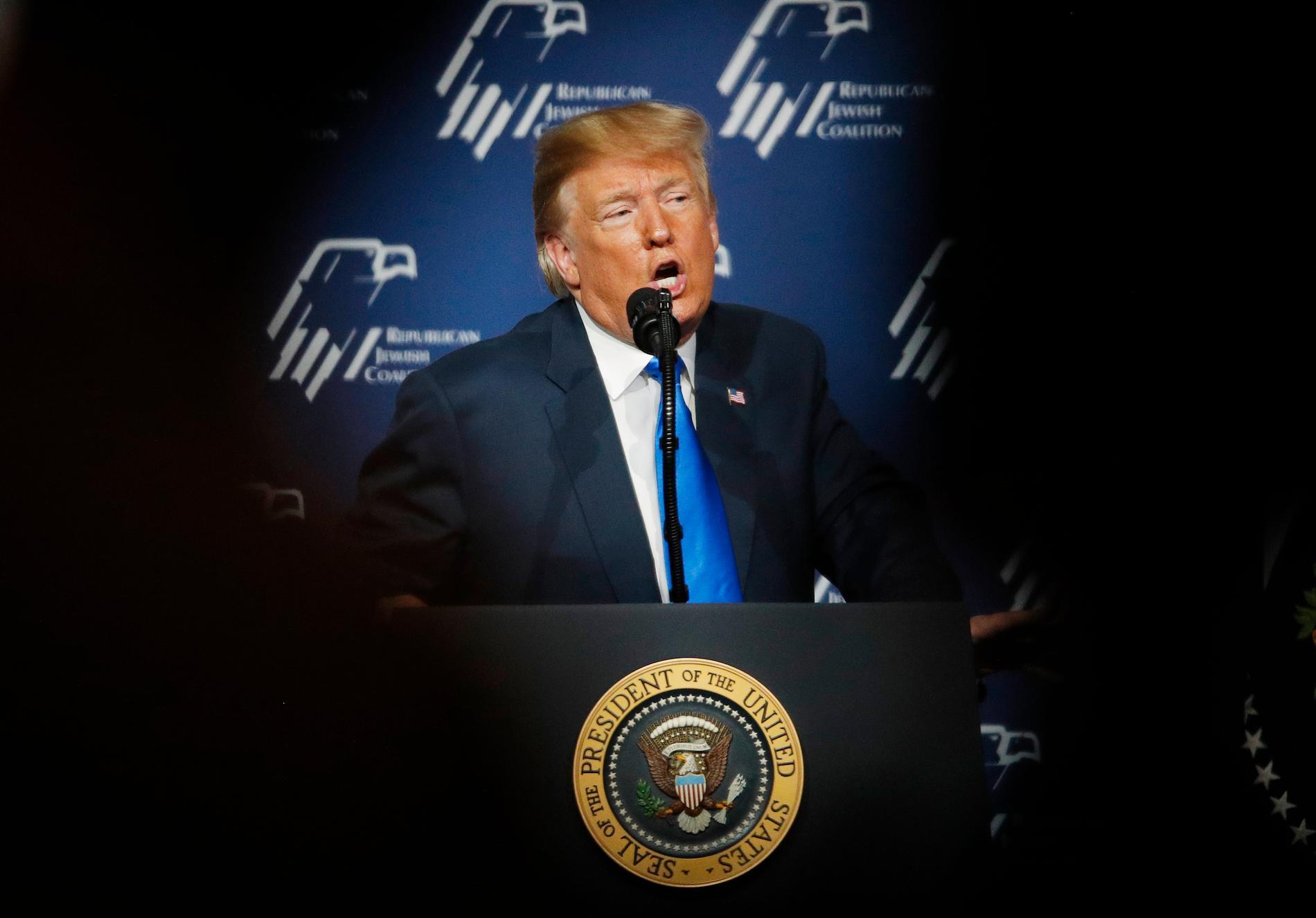 USA:s president Donald Trump (på bilden) säger i ett uttalande att USA planerar att terrorstämpla det iranska revolutionsgardet.