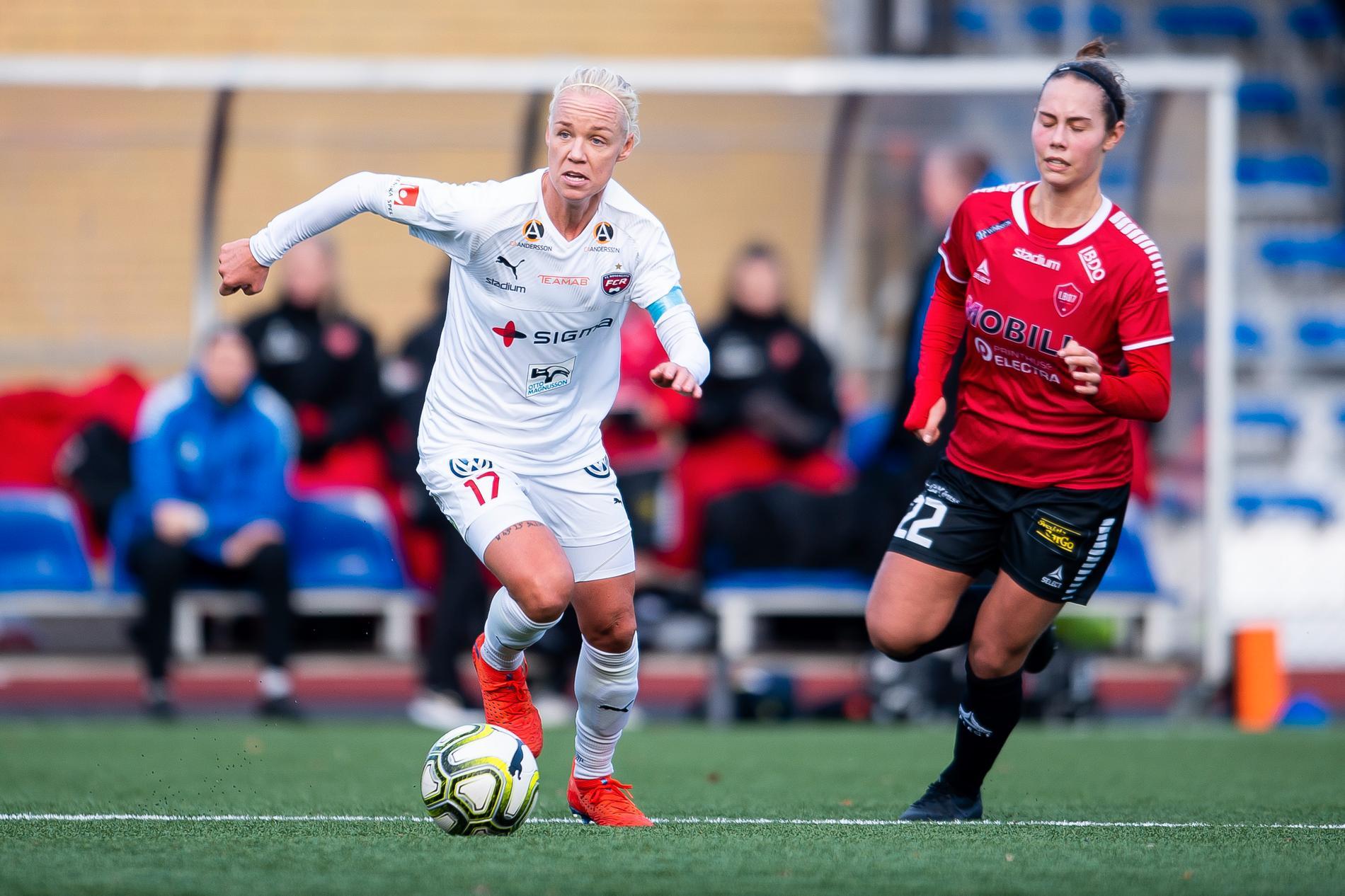 Caroline Seger i en träningsmatch i vinter med Rosengård.