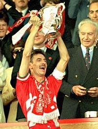På väg mot comeback? 43-årige Liverpool-legendaren Ian Rush kan vara på väg mot en sensationell comeback. Walesiska bylaget TSN har bett om Rushs tjänster i Champions League-kvalet – mot just Liverpool.