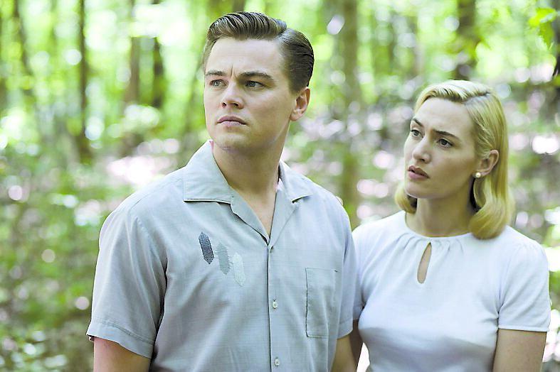 """Leonardo DiCaprios och Kate Winslets samspel i """"Revolutionary road"""" hyllades av Nöjesbladets recencent Emma Gray Munthe, som gav filmen +++++."""