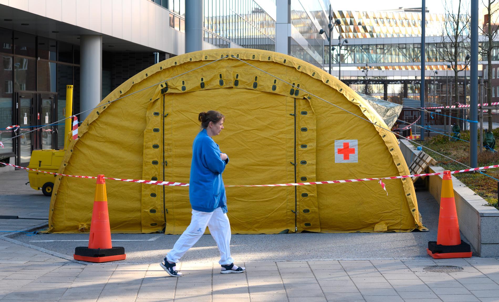 Intensivvårdsakuten vid Karolinska i Solna i mars.