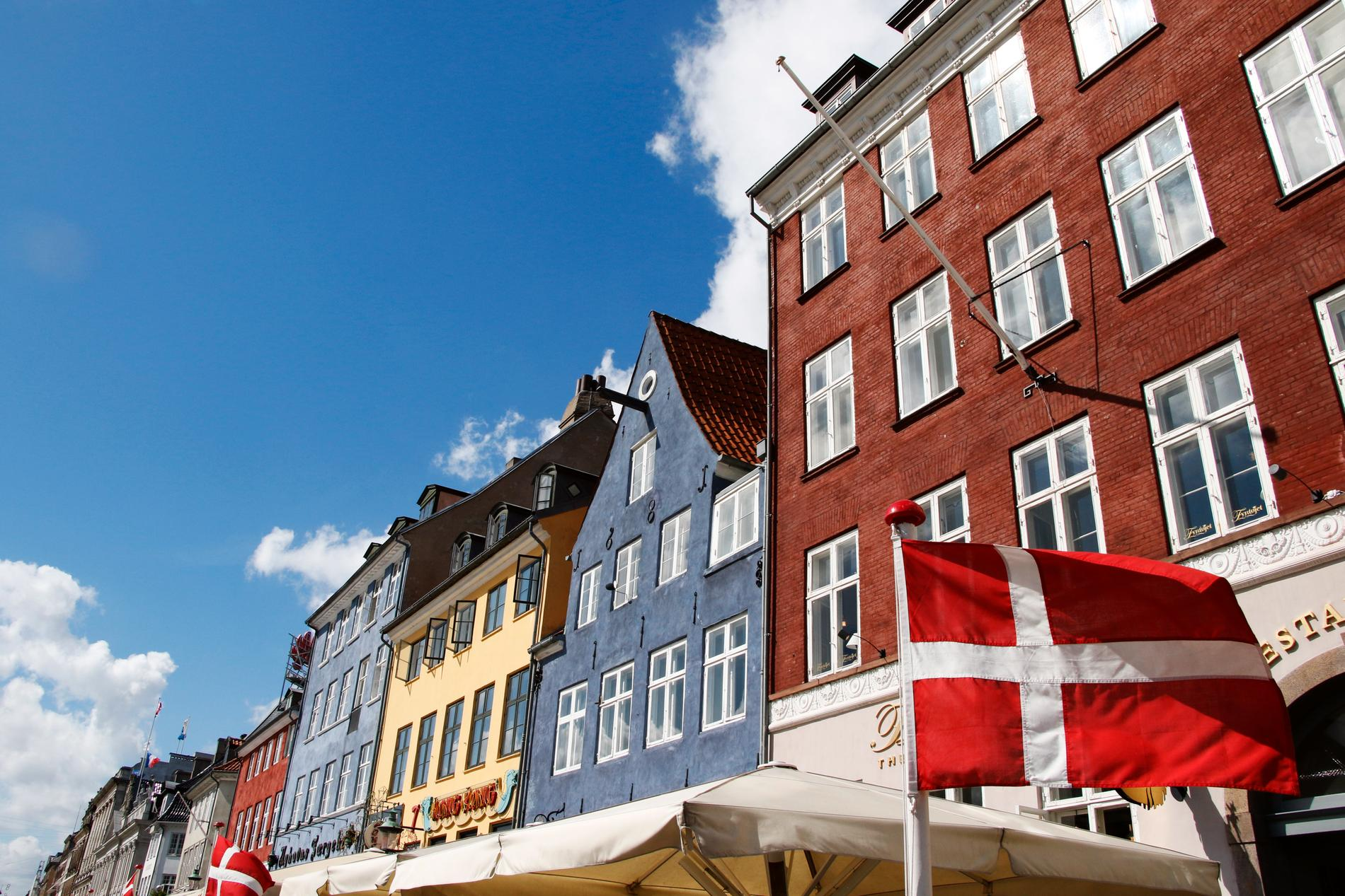 I Danmark kan ett positivt antikroppstest vara biljetten in i landet.