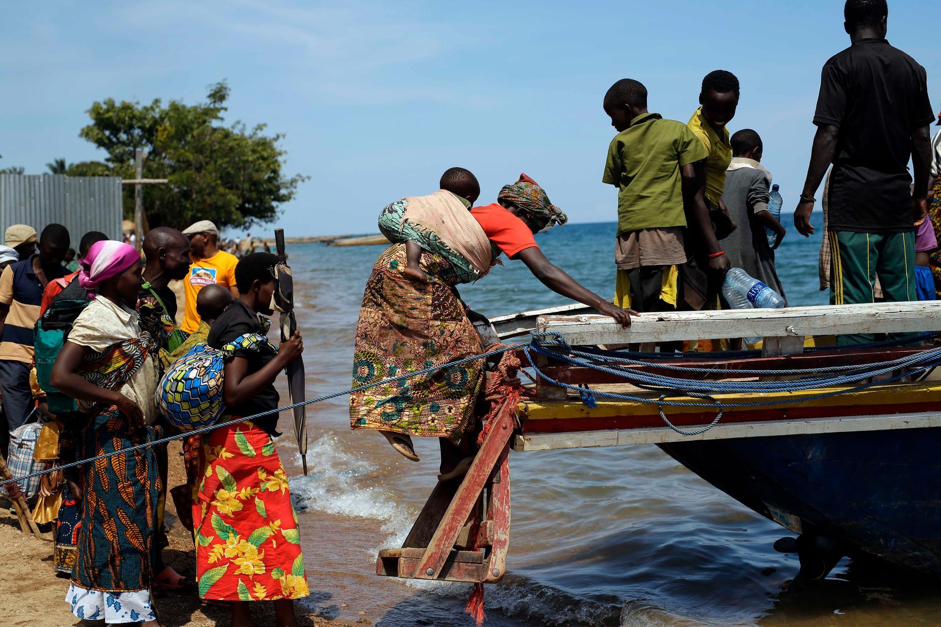 Burundiska flyktingar vid Tanganyikasjön. Arkivbild.