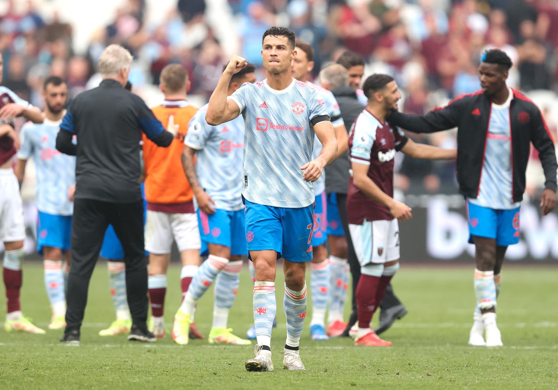 Cristiano Ronaldo tjänar bäst av alla fotbollsspelare i världen.