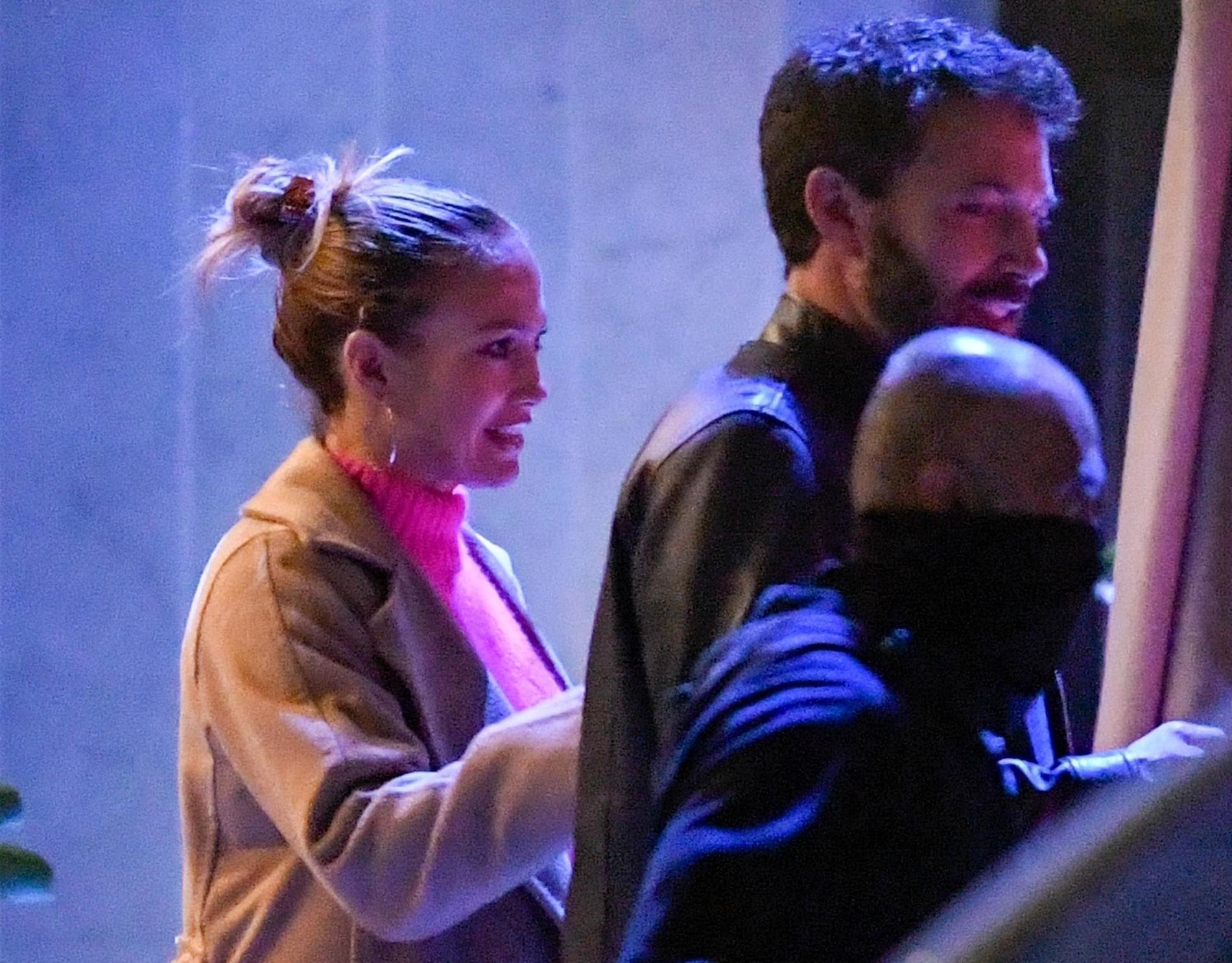Jennifer Lopez och Ben Affleck på romantisk middag.