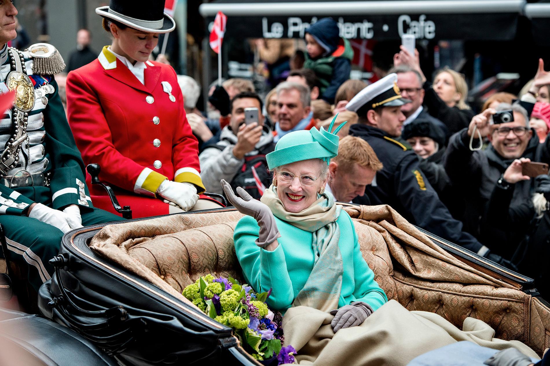 Danmarks drottning Margrethe firas på sin 75-årsdag. I år, på 80-årsdagen, blir det inte något firande.