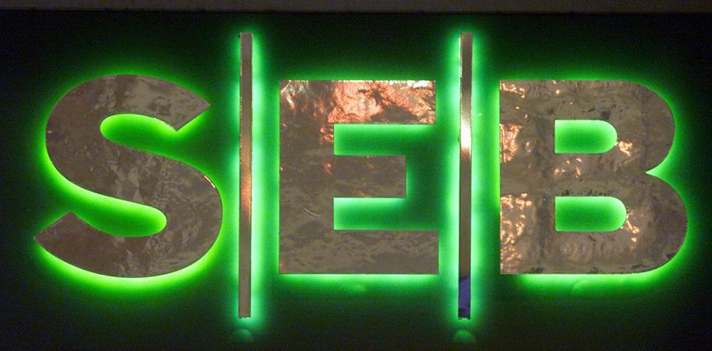 SEB krävs på miljonböter av Stockholmsbörsen.
