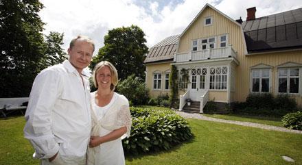 """""""Förr var det här huset beryktat i hela Sunne. Det var ett riktigt spökhus"""", säger paret Eklund om huset som de köpte för 16 år sedan. I dag omvandlat till ett regelrätt drömhus."""