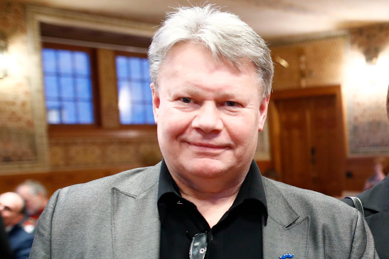 """Lars Hansson, tidigare kommunalråd för SD i Göteborg, hävdar att Jörgen Fogelklou erkände för honom att han låg bakom kontot """"afghan""""."""