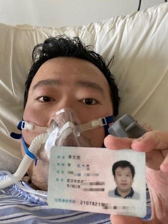 Läkaren Li Wenliang dog efter att själv ha smittats av viruset han larmat om.
