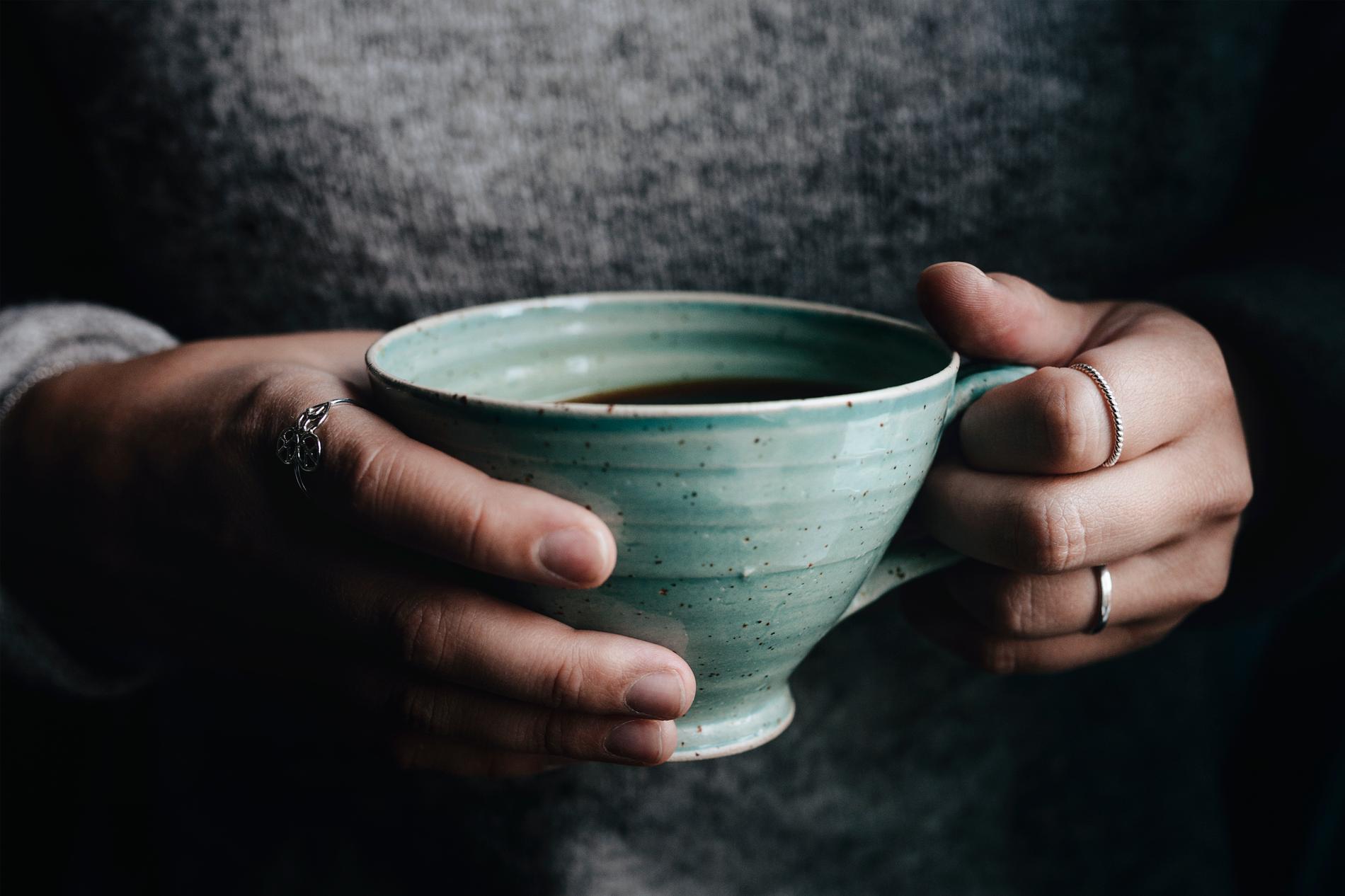 Runtom hela Gotland finns små, mysiga keramikverkstäder att besöka.