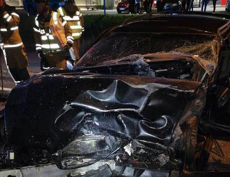 Motorn trycktes in i kupén i den ena bilen.