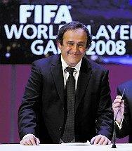 Löjligt, tycker Platini.