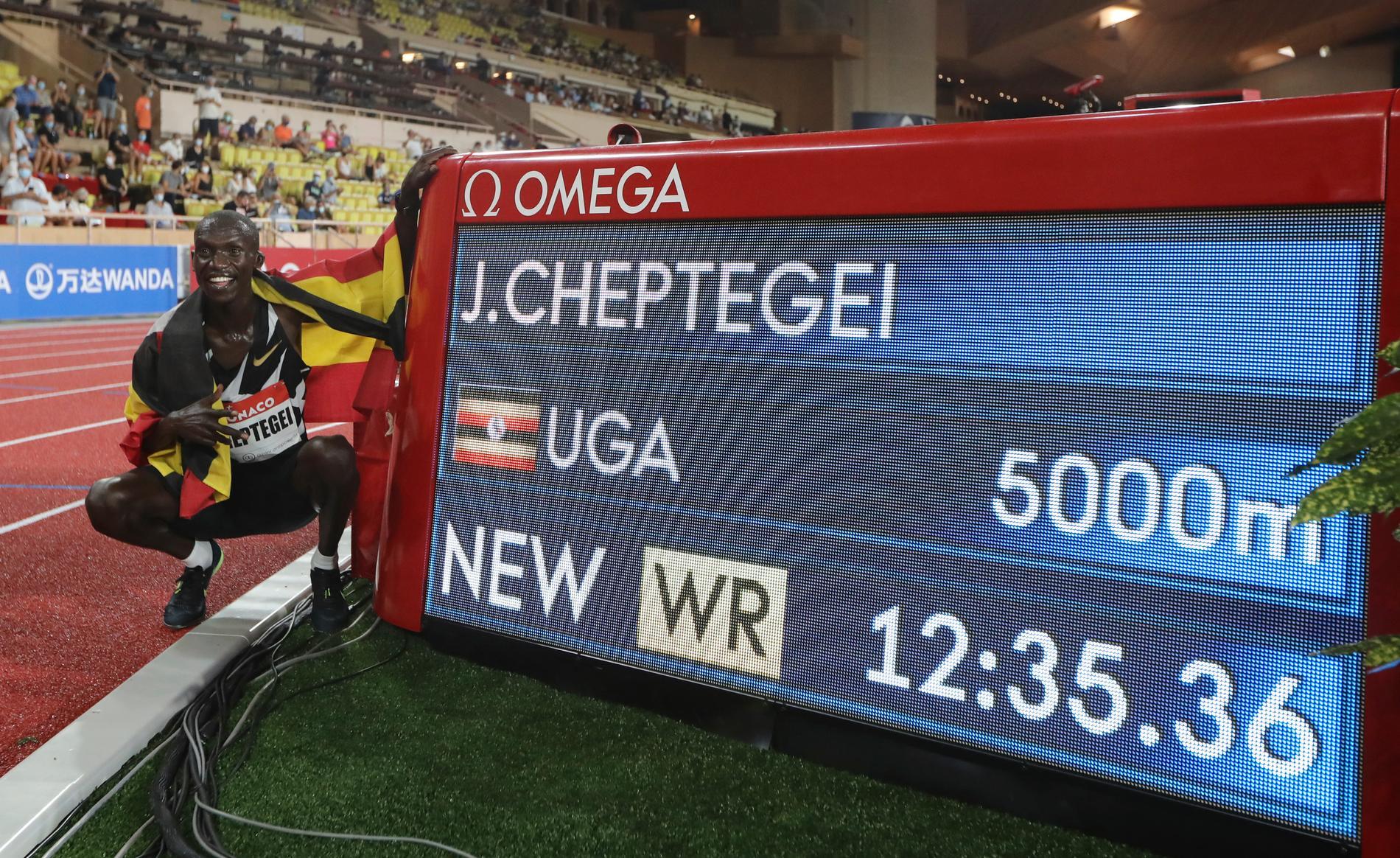 Joshua Cheptegei slog världsrekord på 5 000 meter under fredagens Diamond League.