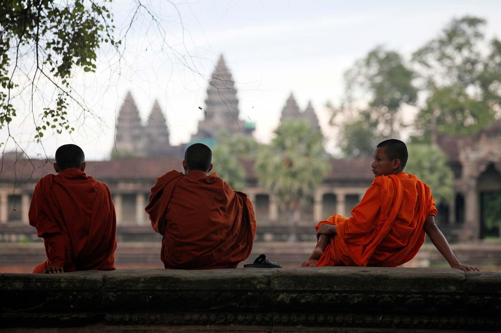 Nya ordningsregler i Angkor Vat: Förbjudet att ta selfies med munkarna utan lov.