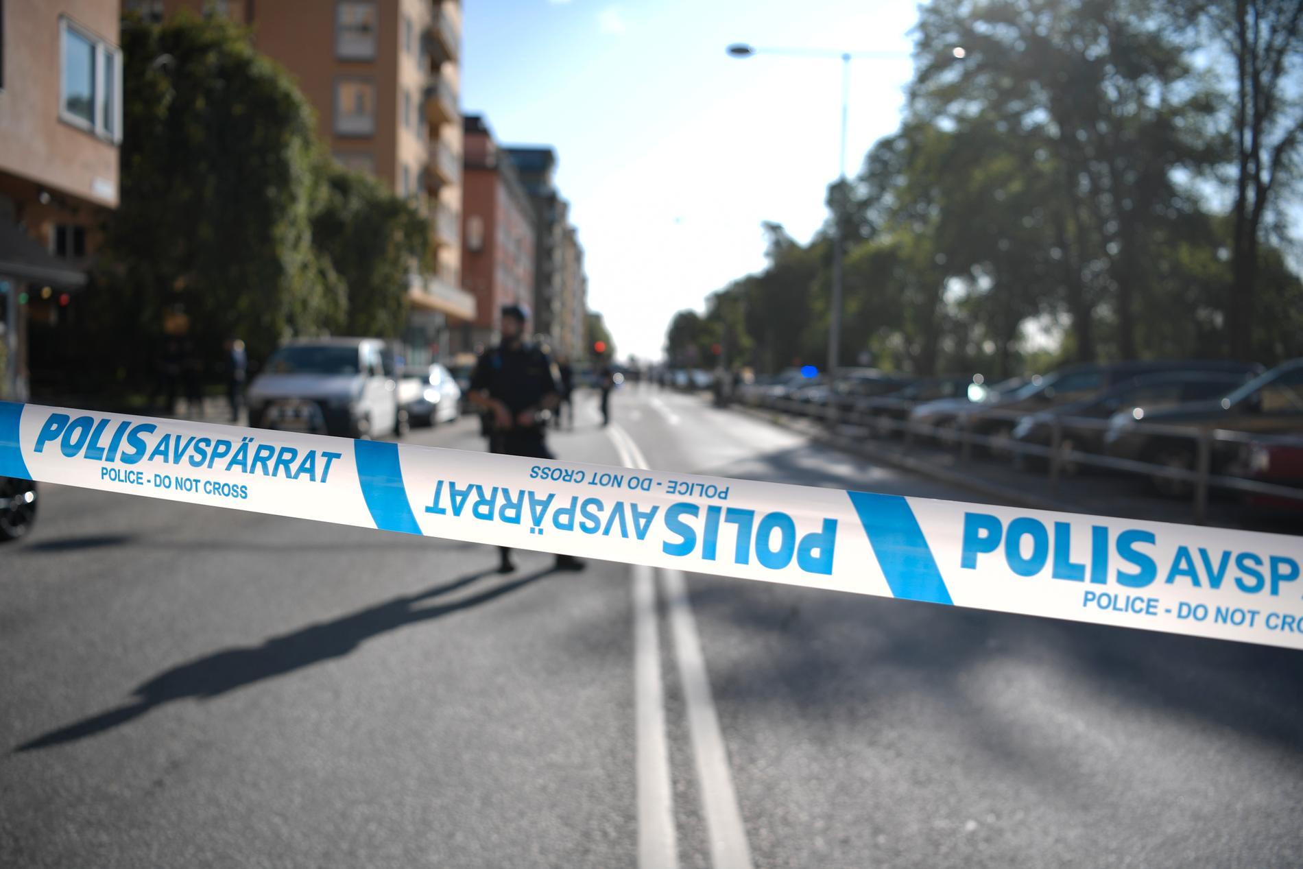 Polisavspärrningar på Kungsholmen efter attacken på advokaten i september förra året. Arkivbild.