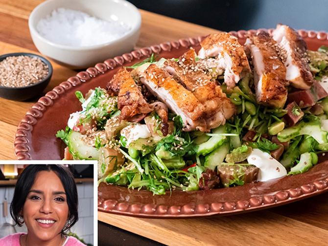 Markiz Taintons middagstips: Matig sallad med krispig kyckling och gurksallad