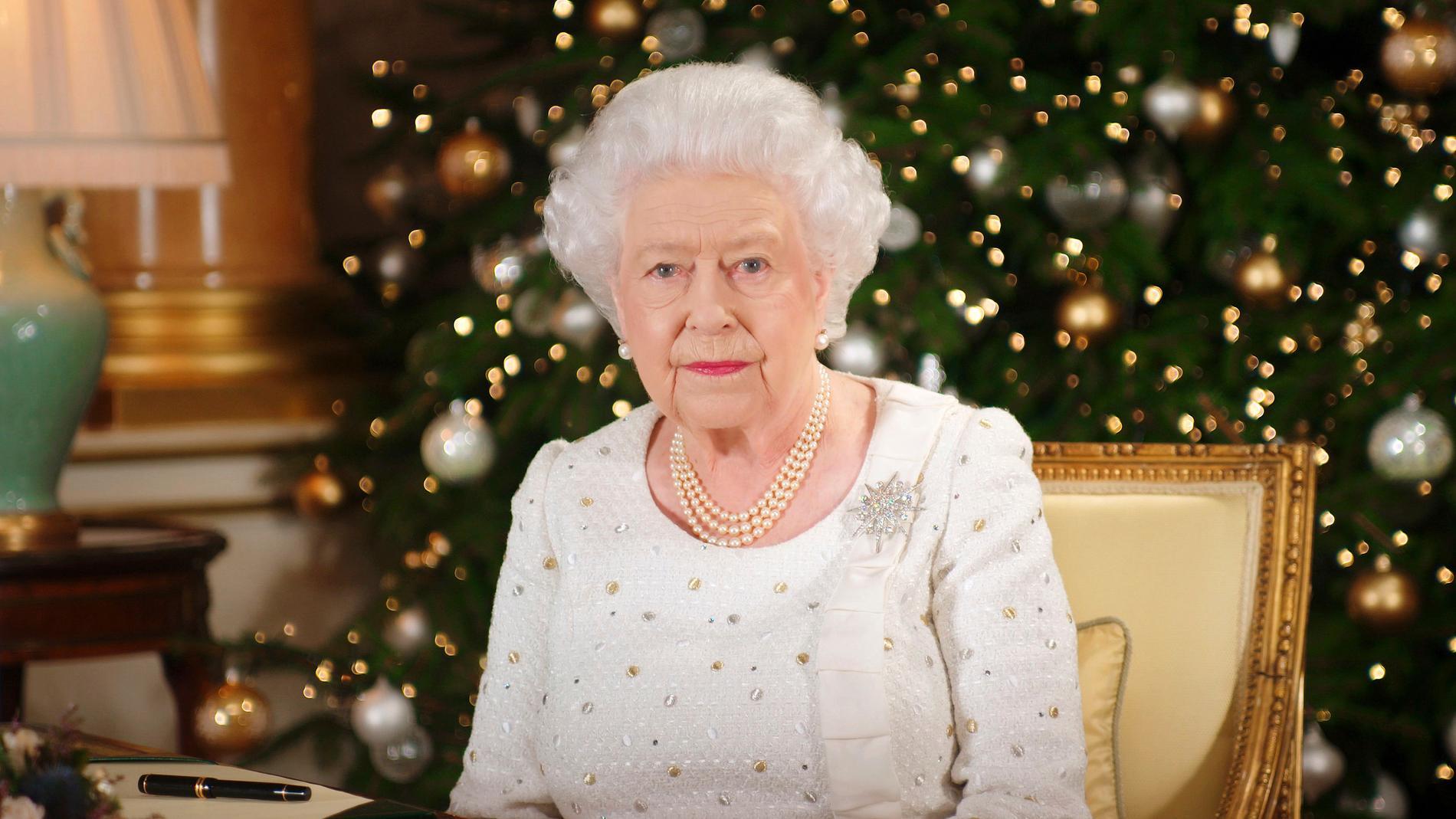 Storbritanniens drottning Elizabeth då hon höll jultal nyligen.